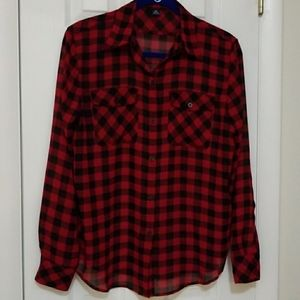 CHAPS black & red plaid button down top